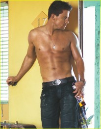 channing-tatum-shirtless-for-gq-s-style-issue-channing-tatum-19346098-956-1222
