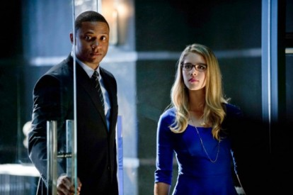 Diggle-and-Felicia-in-Arrow-Season-2-570x379