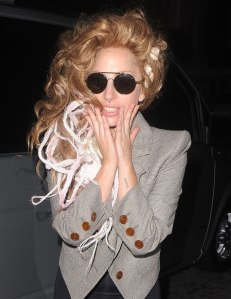 gaga-shells-london-1