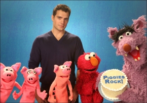 Henry Cavill Visits Sesame Street (VIDEO)