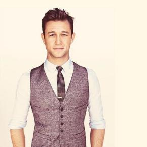 Joseph Gordon-Levitt Fesses Up to Having a Girlfriend