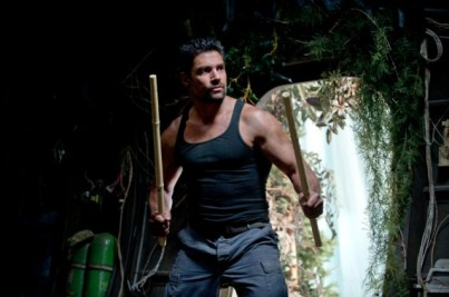 Manu-Bennett-as-Slade-Wilson-in-Arrow-Season-2-570x379