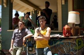 Zac Efron Does His Best De Niro Impression in Upcoming Movie: 'Neighbors'