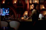 Oliver-Quinn-in-a-Bar-in-Arrow-Season-2-570x379