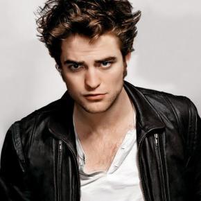 Robert Pattinson Reveals What He Wants in aGirlfriend