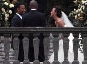 rs_1024x759-130914121403-1024.john-legend-chrissy-teigen-wedding.jl.091413