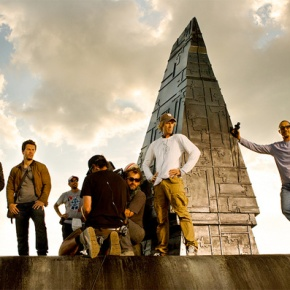 Michael Bay Unveils Official Set Photo For 'Transformers 4'; Reveals (Human) Cast