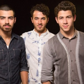 Jonas Brothers Cancel Tour