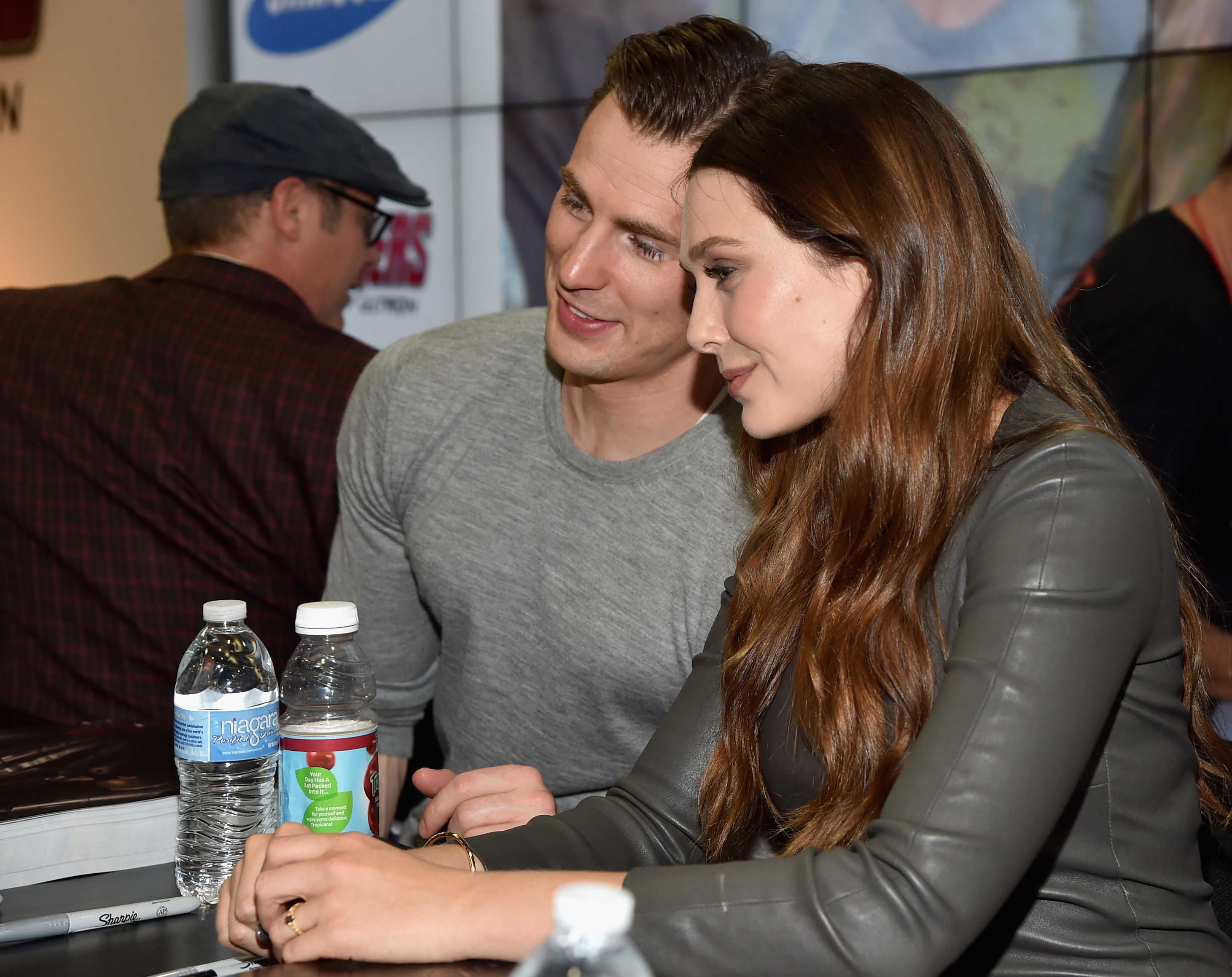 Marvel S Avengers Age Of Ultron Booth Signing During