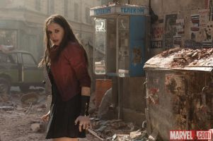 An-enraged-Wanda-Maximoff-Elizabeth-Olson-in-Marvels-Avengers-Age-of-Ultron