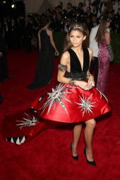 zendaya-coleman-2015-costume-institute-benefit-gala-in-new-york-city_4